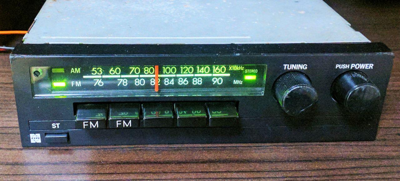 旧車のレトロな機械式FM/AMカーラジオを家庭用チューナとして使う ...